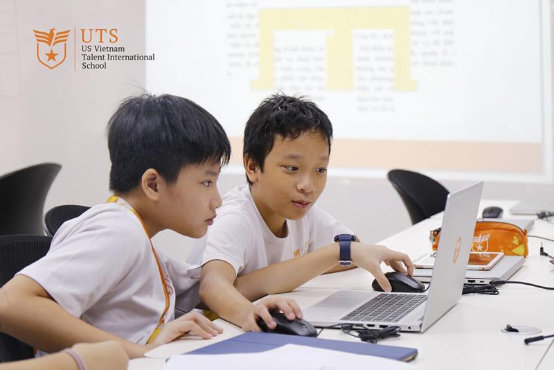tiếp cận tin học tại trường quốc tế UTS