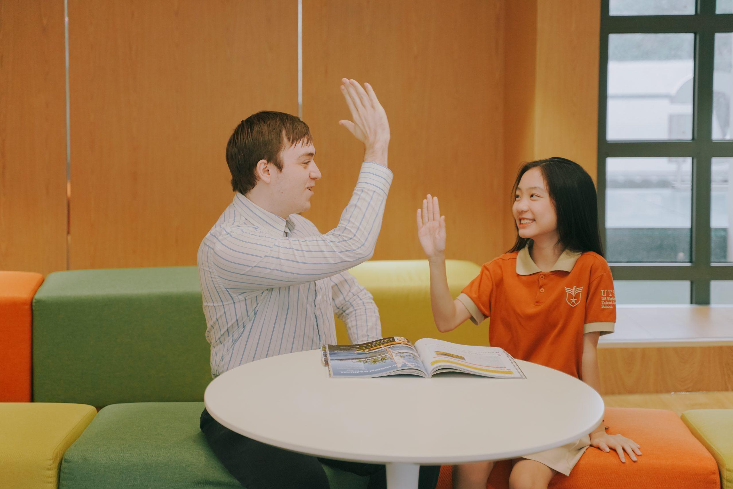Hoạt động phát triển kỹ năng ngôn ngữ và định hình thói quen học tập